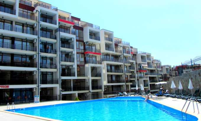 Schlüsselfertige Apartments im modernen Komplex in zweiter Meereslinie in Sweti Wlas