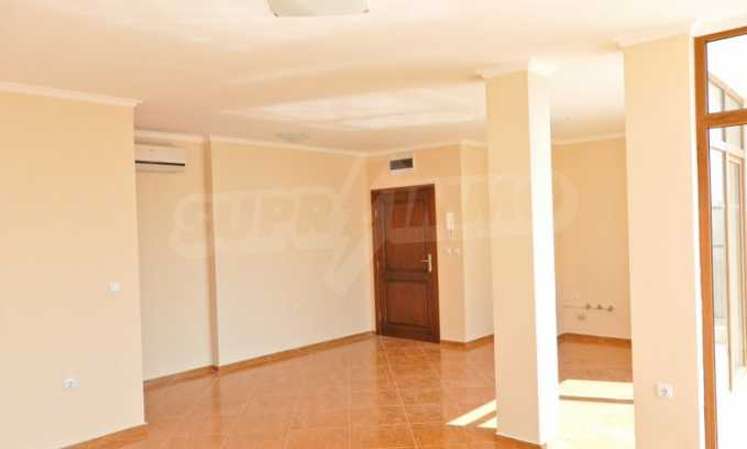 Schlüsselfertige Apartments im modernen Komplex in zweiter Meereslinie in Sweti Wlas 17