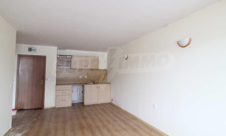 Unmöbliertes 2-Raum-Apartment, nur 10 Minuten fußläufig vom Skilift in Bansko entfernt 1
