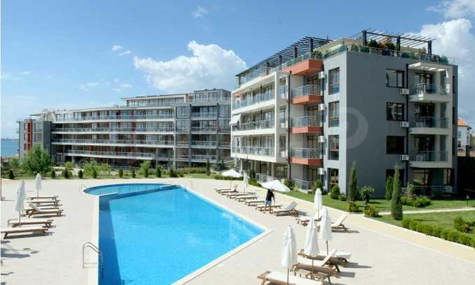 Neubau-Apartments im attraktiven Komplex in erster Meereslinie in Sweti Wlas