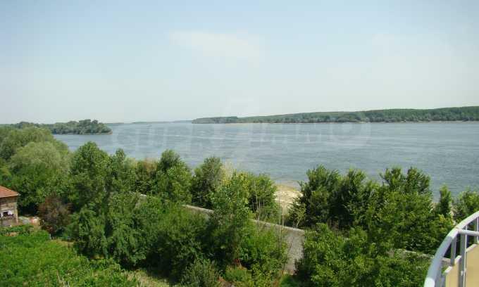 Apartment mit großer Terrasse und wunderschönem Blick über Donau 10