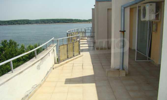 Apartment mit großer Terrasse und wunderschönem Blick über Donau 11