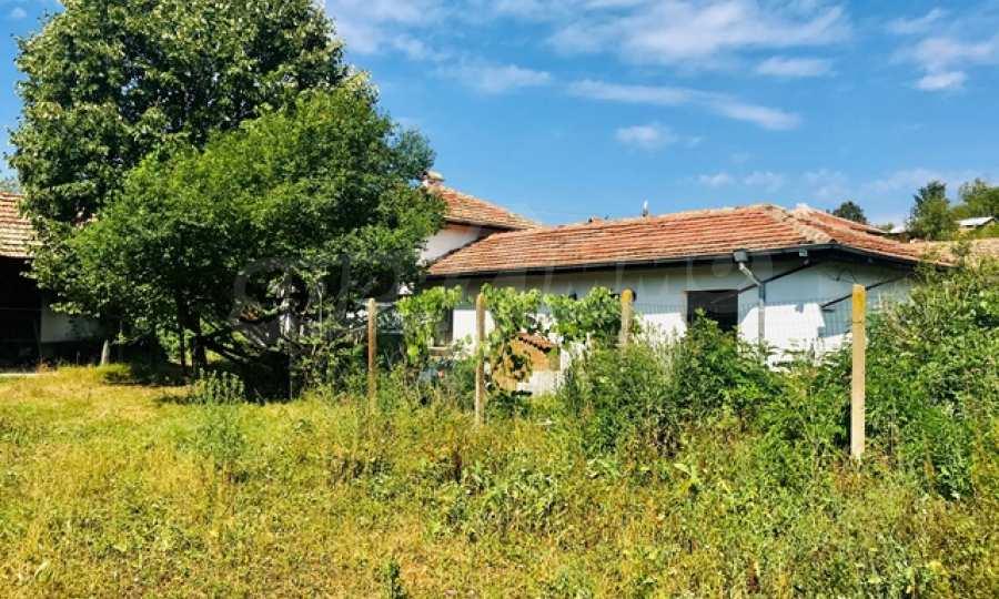 Renoviertes Haus mit Hof im Vorbalkan 2
