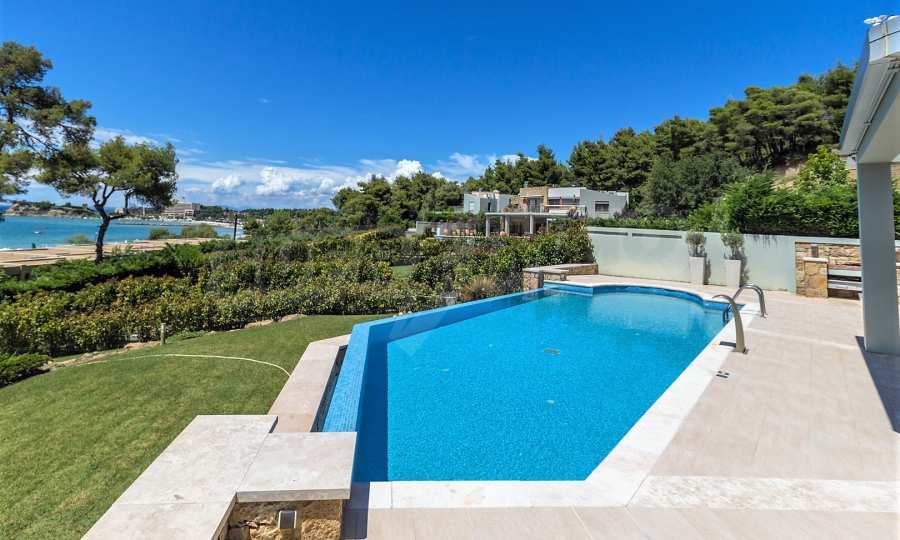 Villa mit Schwimmbad in Sani Beach Club, Chalkidiki 1