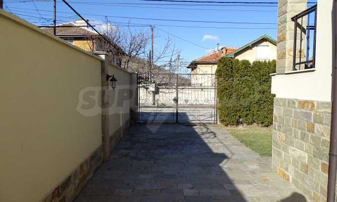 Furnished house with large yard and barbecue area in Krichim 37