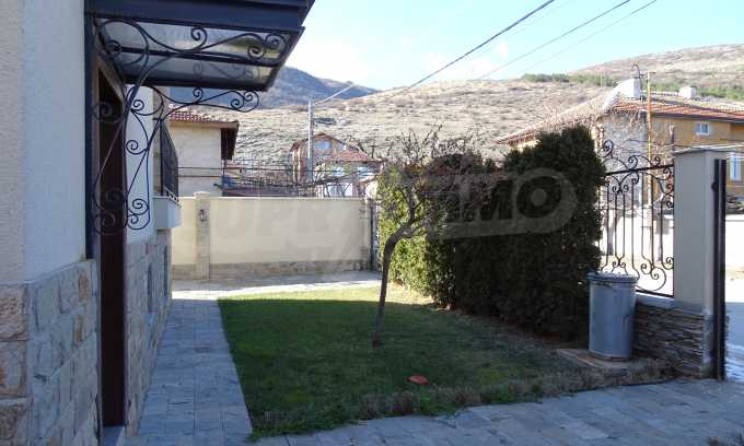 Furnished house with large yard and barbecue area in Krichim 3