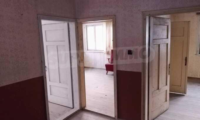 Von der Stadt Trjavna 9 km entferntes Haus mit Hof  14