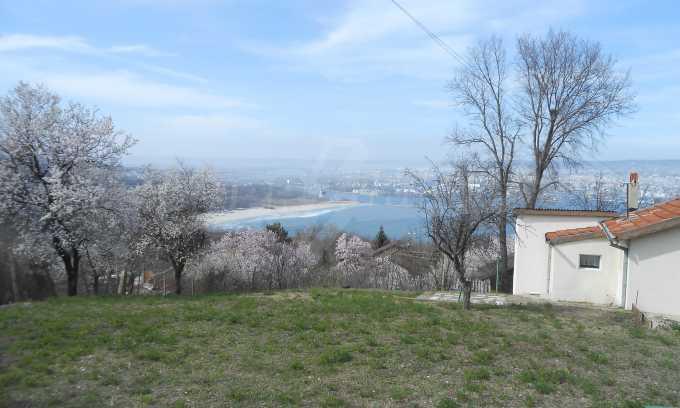 Отличен имот с морска панорама в м-т Зеленика