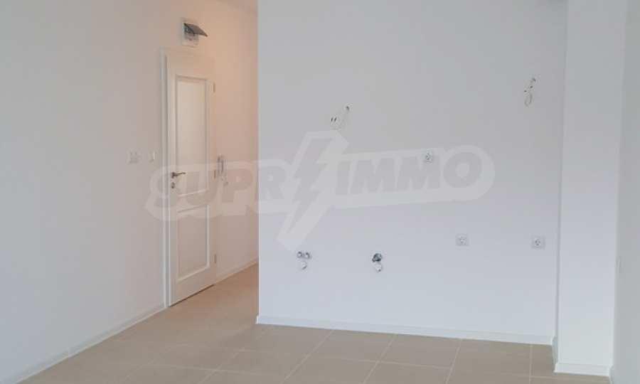 2-Raum-Apartment zum TOP-Preis in erster Reihe am Strand Kavatsite 1