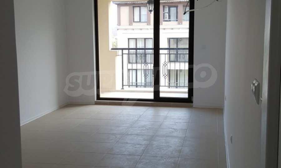 2-Raum-Apartment zum TOP-Preis in erster Reihe am Strand Kavatsite 10