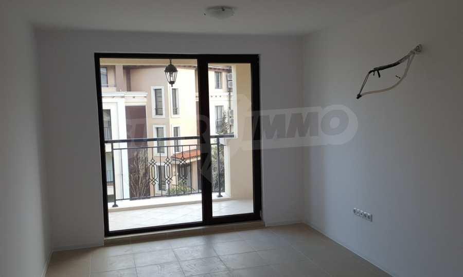 2-Raum-Apartment zum TOP-Preis in erster Reihe am Strand Kavatsite 8
