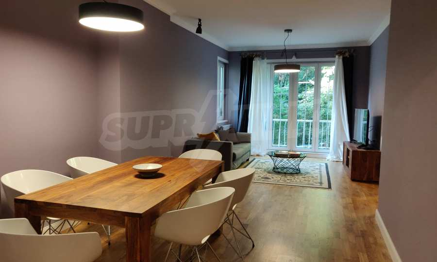 Трехкомнатная квартира в центре Софии