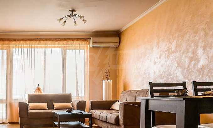 Комфортен двустаен апартамент в кв. Лазур, до Руската гимназия 2