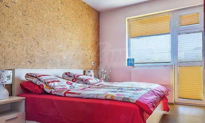 Комфортен двустаен апартамент в кв. Лазур, до Руската гимназия 6