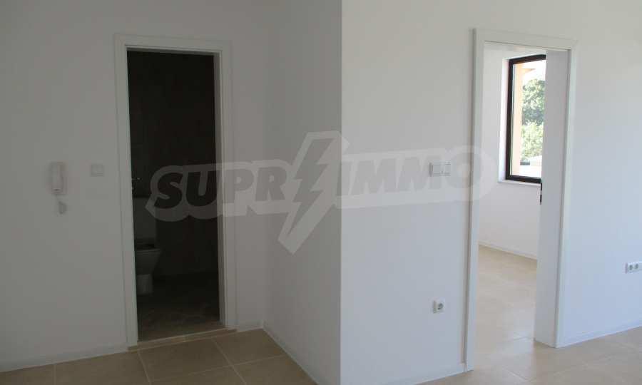 2-Raum-Apartment in einer prestigeträchtigen Anlage beim Strand Kavatsi 4