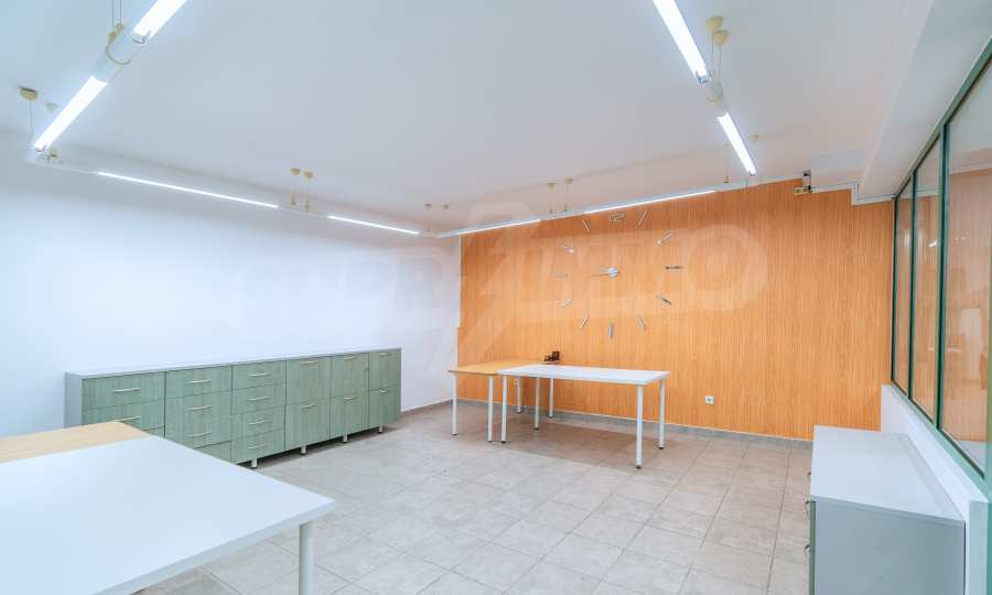 """Vollständig möbliertes Büro zur Miete in \ """"Lozenets \"""" 4"""