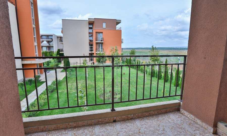 Apartment mit 2 Schlafzimmern in einem Golfkomplex in der Nähe des Action Parks 9