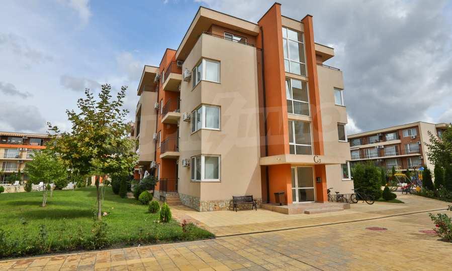 Apartment mit 2 Schlafzimmern in einem Golfkomplex in der Nähe des Action Parks 10