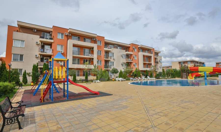 Apartment mit 2 Schlafzimmern in einem Golfkomplex in der Nähe des Action Parks 2