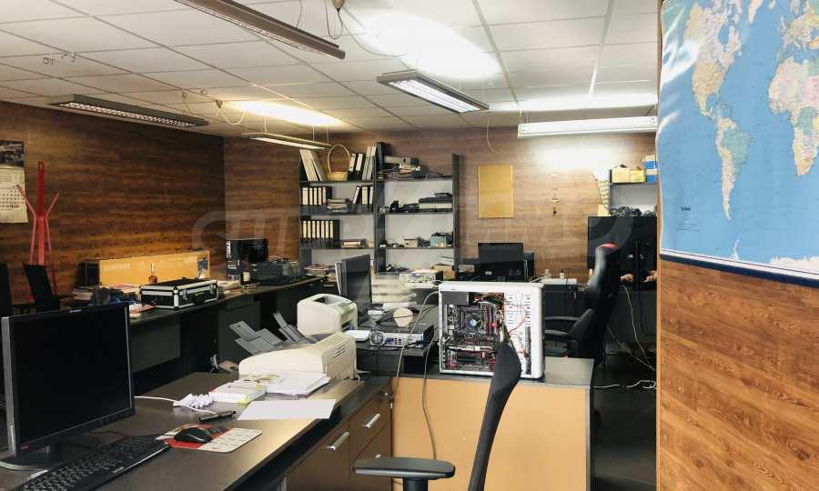 Офис помещение в идеалния център на Варна 3