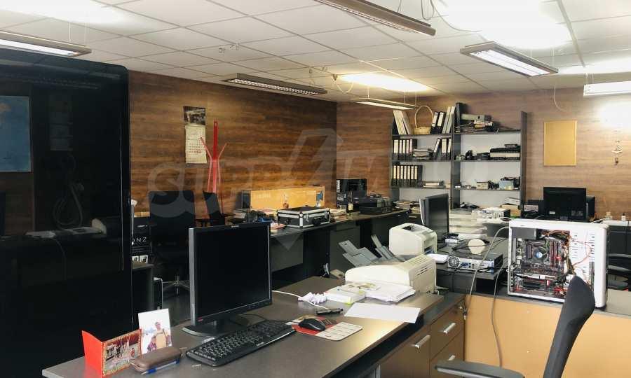 Офис помещение в идеалния център на Варна 4