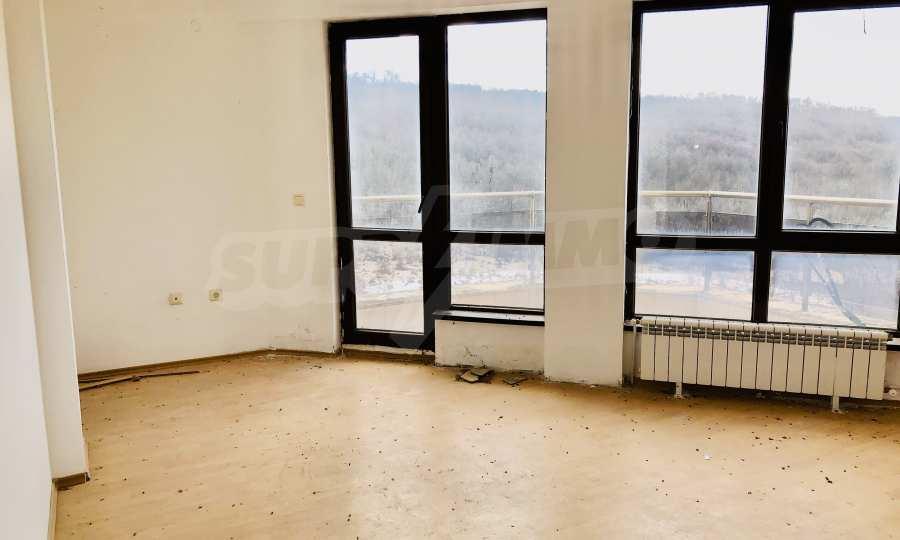 """Двухкомнатная квартира в комплексе """"BT Hills"""" в Велико Тырново 7"""