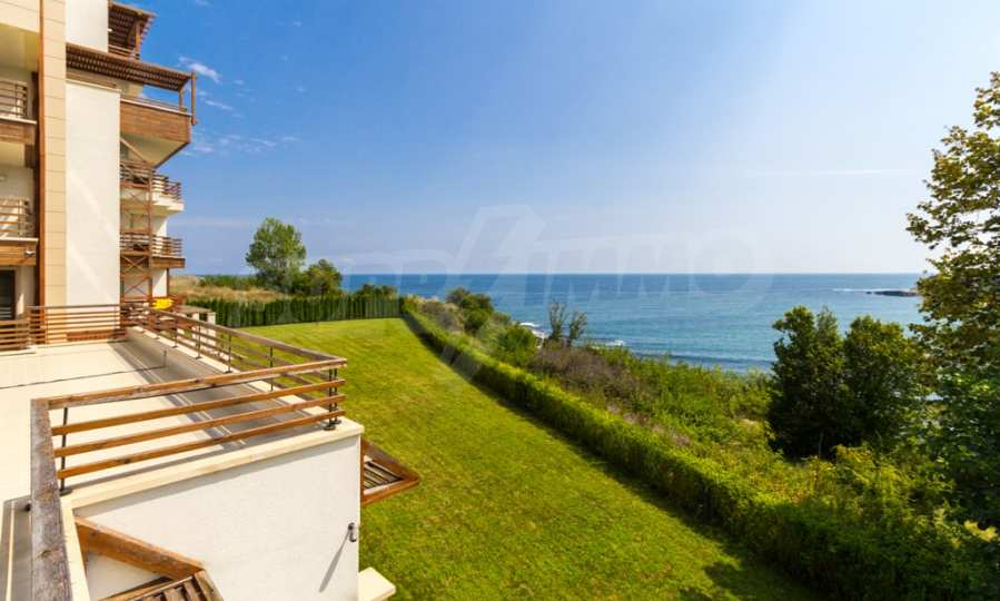 Two-bedroom apartment with sea views in Tsarevo resort 11