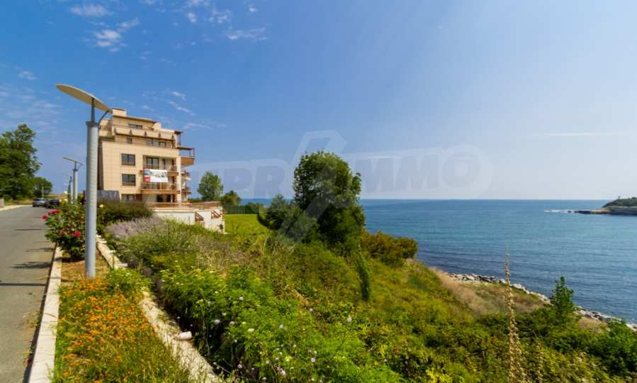 Two-bedroom apartment with sea views in Tsarevo resort 12