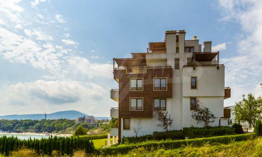 Two-bedroom apartment with sea views in Tsarevo resort 16