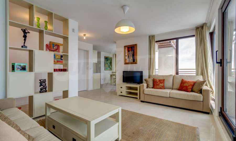 Two-bedroom apartment with sea views in Tsarevo resort 3