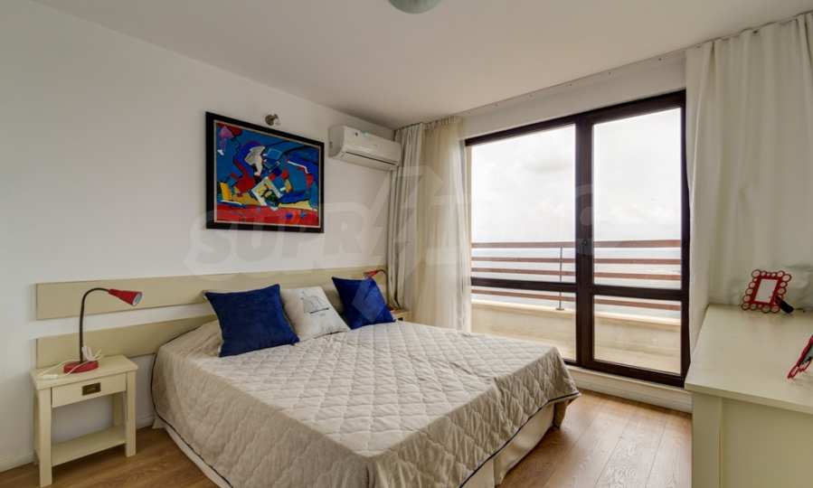 Two-bedroom apartment with sea views in Tsarevo resort 4