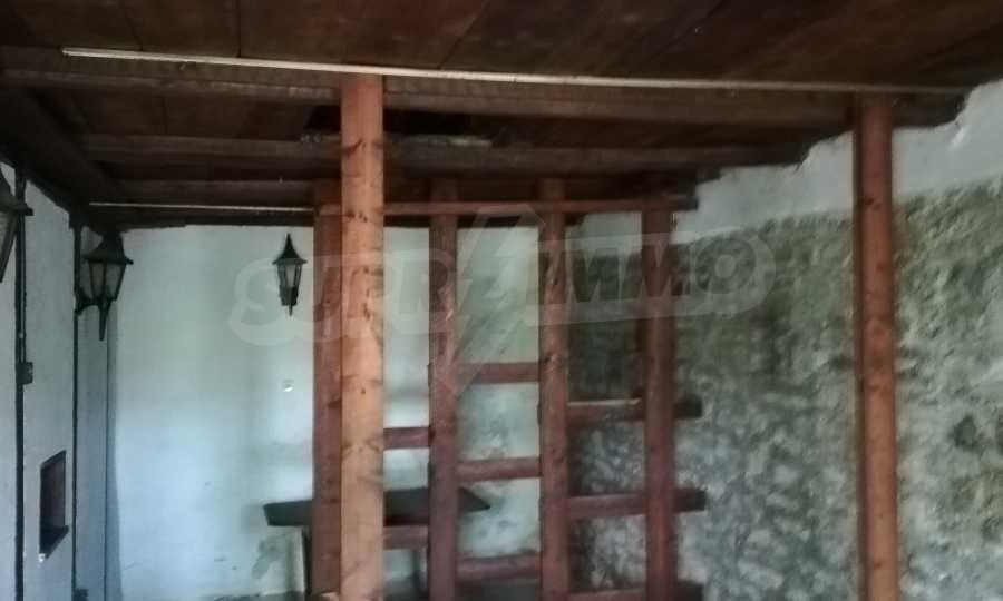 Автентична Възрожденска къща в центъра на град Дряново  3