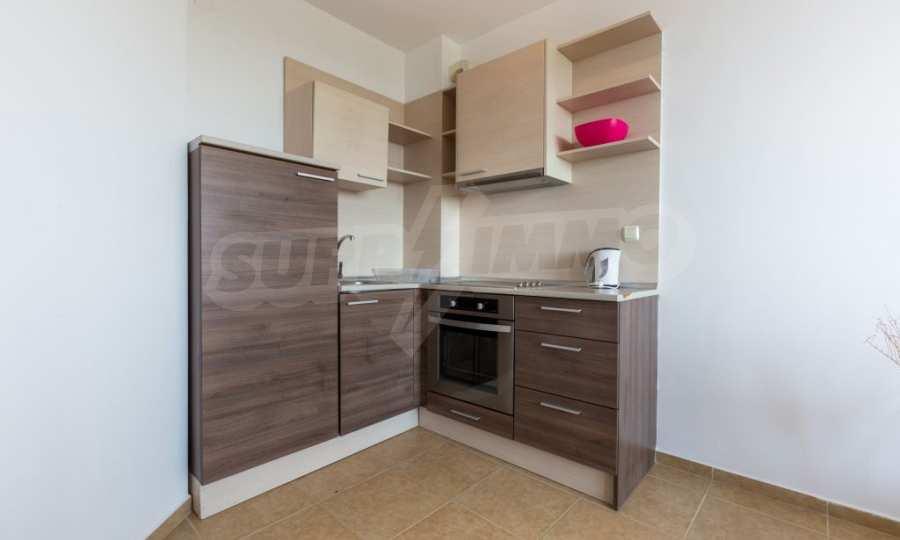 Отличен двустаен апартамент в комплекс до Равда и Ахелой 14