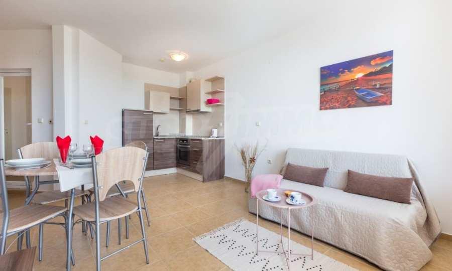 Отличен двустаен апартамент в комплекс до Равда и Ахелой 15