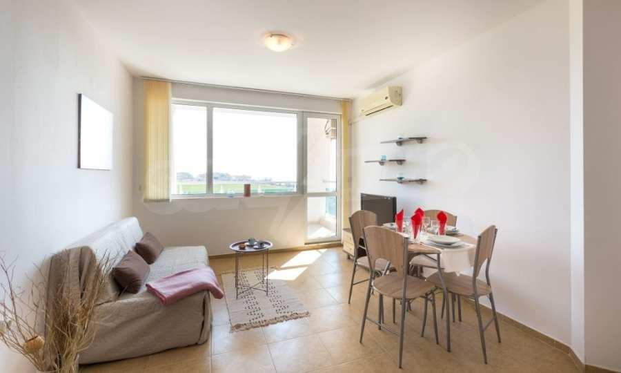 Отличен двустаен апартамент в комплекс до Равда и Ахелой 17