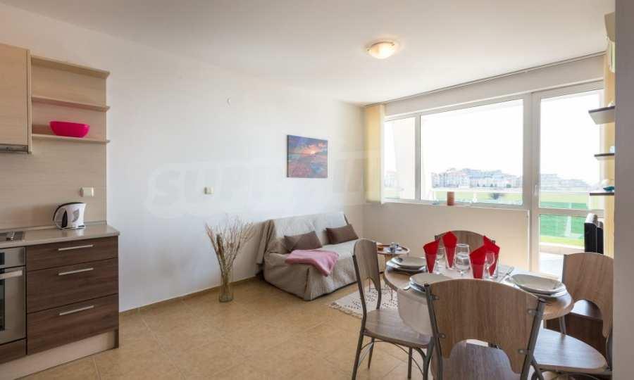 Отличен двустаен апартамент в комплекс до Равда и Ахелой 18