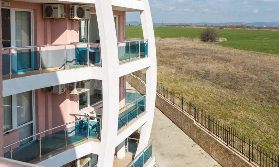 Отличен двустаен апартамент в комплекс до Равда и Ахелой 6