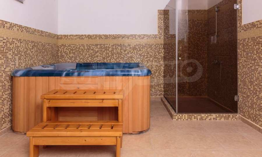 Comfortable one bedroom apartment in a complex near Ravda and Aheloy 68