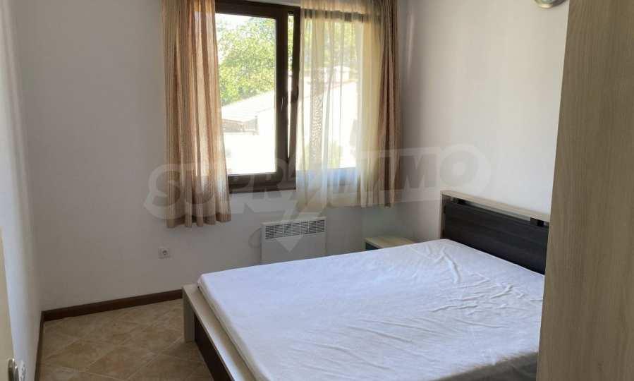 Двустаен апартамент в крайбрежен комплекс до плаж Оазис 12