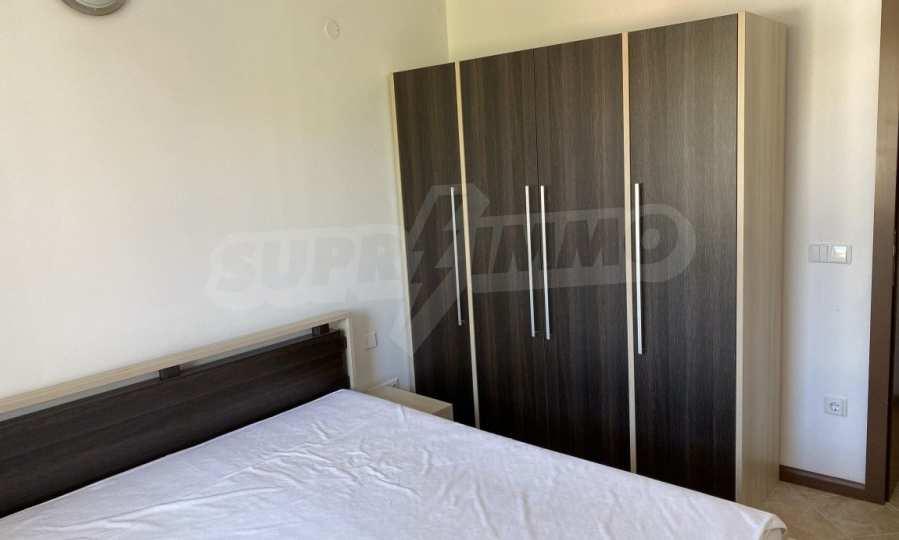 Двустаен апартамент в крайбрежен комплекс до плаж Оазис 13