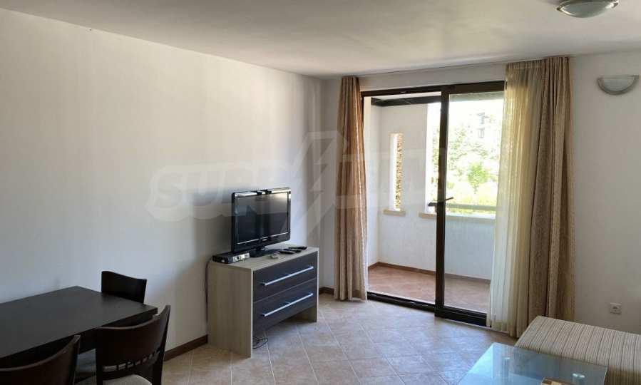 Двустаен апартамент в крайбрежен комплекс до плаж Оазис 1