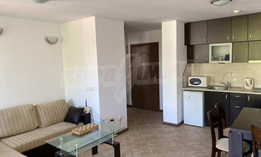 Двустаен апартамент в крайбрежен комплекс до плаж Оазис 3