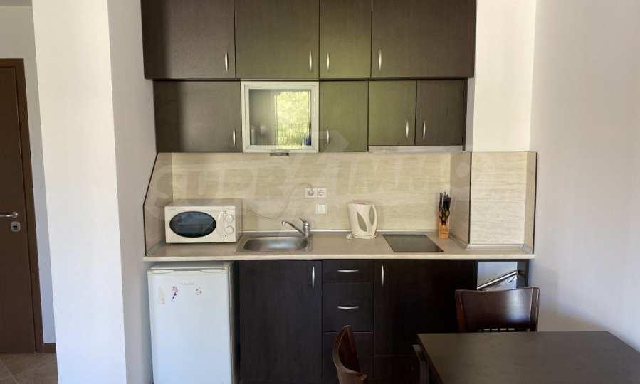 Двустаен апартамент в крайбрежен комплекс до плаж Оазис 5