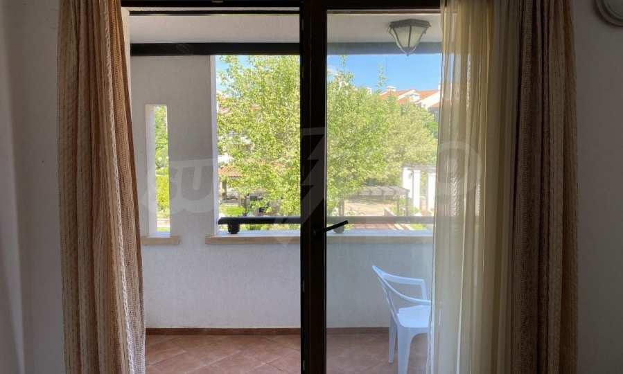 Двустаен апартамент в крайбрежен комплекс до плаж Оазис 6