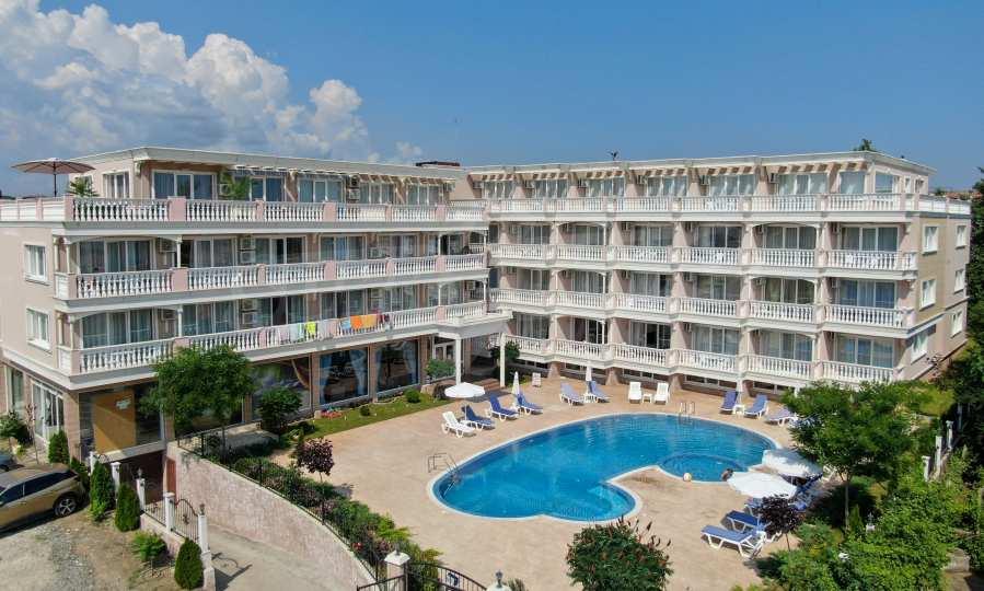 Комфортабельная квартира в новом комплексе у пляжа курорта Лозенец